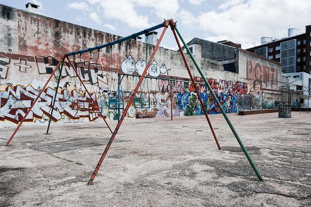 Spielplatz Schaukel Freiwilligendienste Projekte mit Kindern